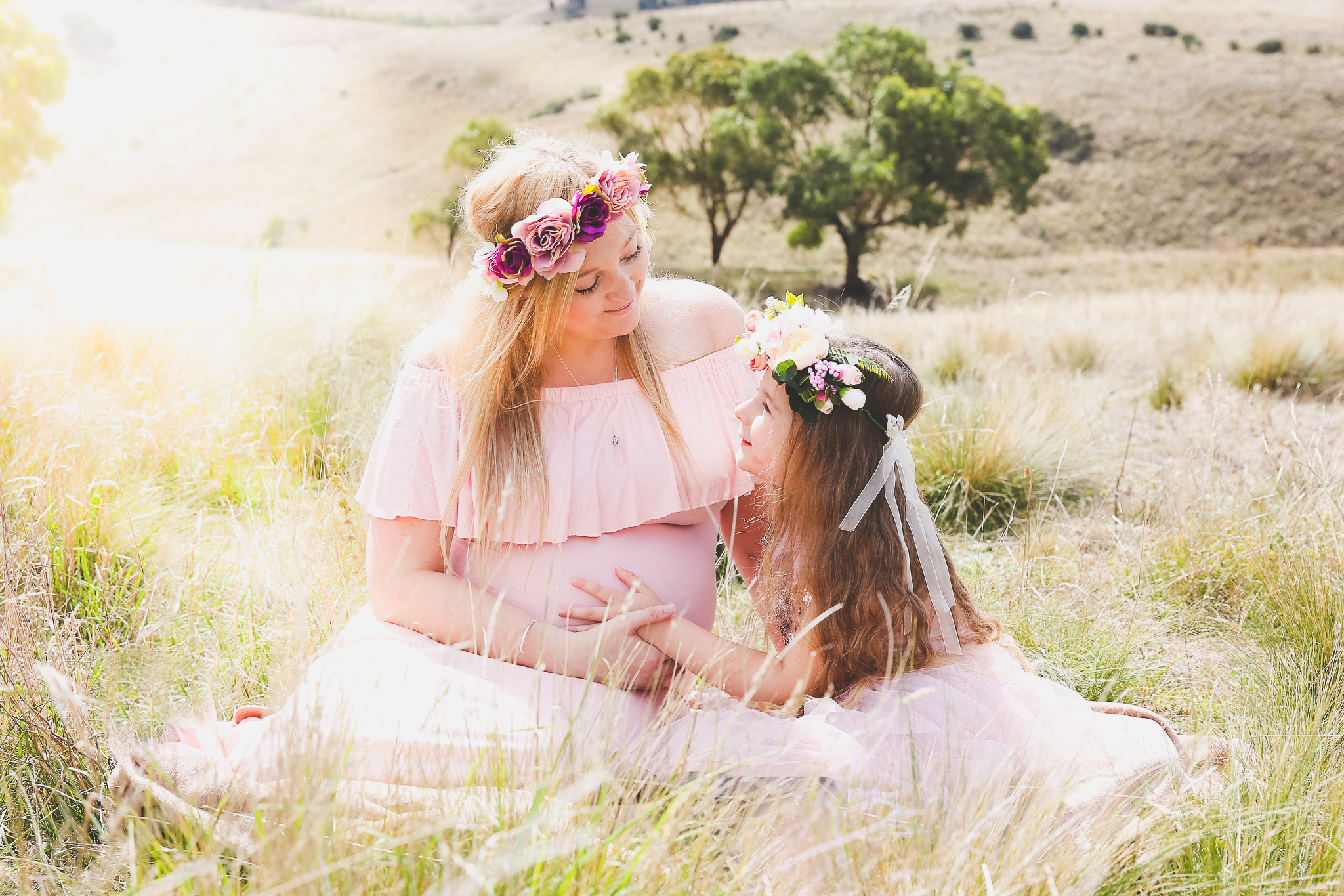 maternity portrait photography maternity studio outdoor photographer modern country